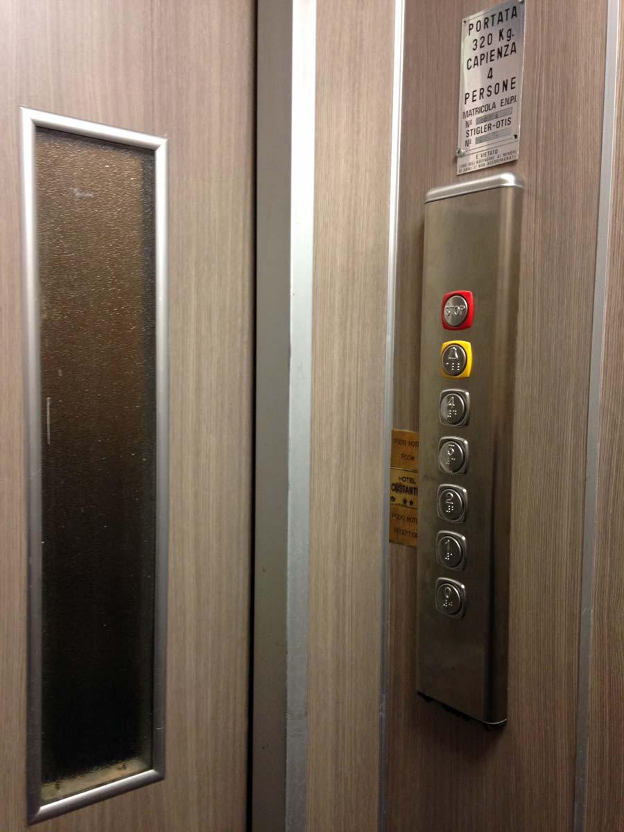 Cabina ascensore come rinnovarla e renderla pi bella - Quanto costa un ascensore interno ...