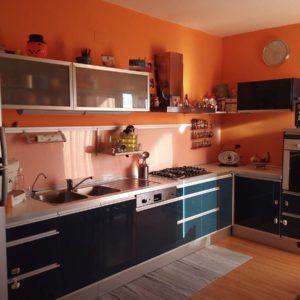 Rivestimento cucina effetto legno