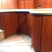 Refitting yatch navale