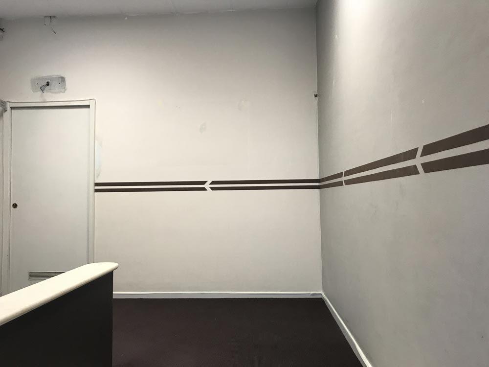 1 idea originale per nascondere una brutta parete for Carta da parete adesiva