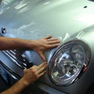 Pellicola protettiva auto antisasso e dai graffi